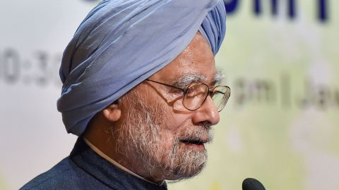 Manmohan Singh: Economic troubles reflection of atmosphere of fear, distrust in society