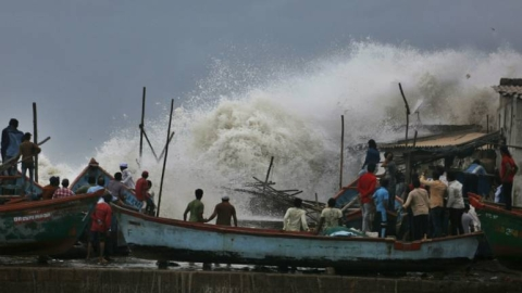 Cyclone 'Bulbul' set to make landfall by 11 pm tonight