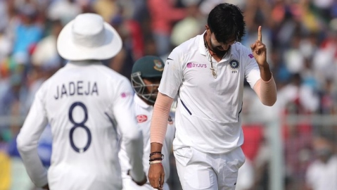 India vs Bangladesh, Pink Ball Test LIVE: India loses its first wicket, Mayank goes for 14, India 26 for 1