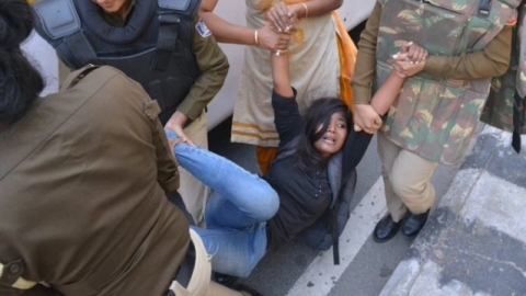 In video clips, JNU students' protest march to Parliament: Delhi police accused of assaulting protesters