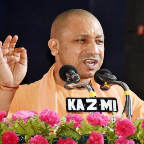 Yogi government  suspends 7 cops in Unnao case