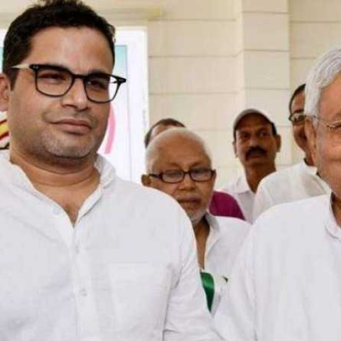 Prashant Kishor (left) with JD-U chief Nitish Kumar (file photo)