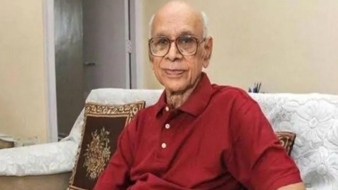 Tributes pour in for 'Bapu', man who bowled 21 consecutive maidens