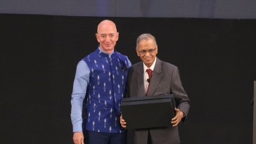 Amazon CEO Jeff Bezos and Infosys co-founder NR Narayana Murthy at the Amazon Sambhav event in New Delhi on Jan 15, 2020 (IANS Photo)