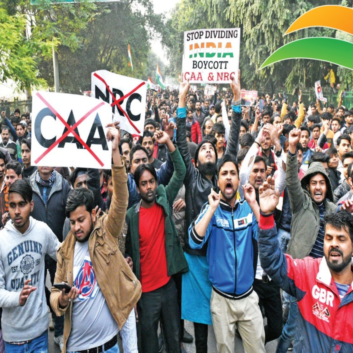Anti-CAA protests: Lucknow cops' attempt to clear Clock Tower area fails
