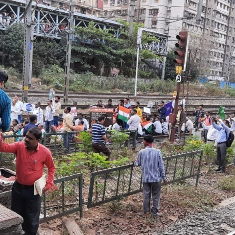 Bharat Bandh LIVE: Bahujan Kranti Morcha blocks railway track in Mumbai during protest against CAA and NRC