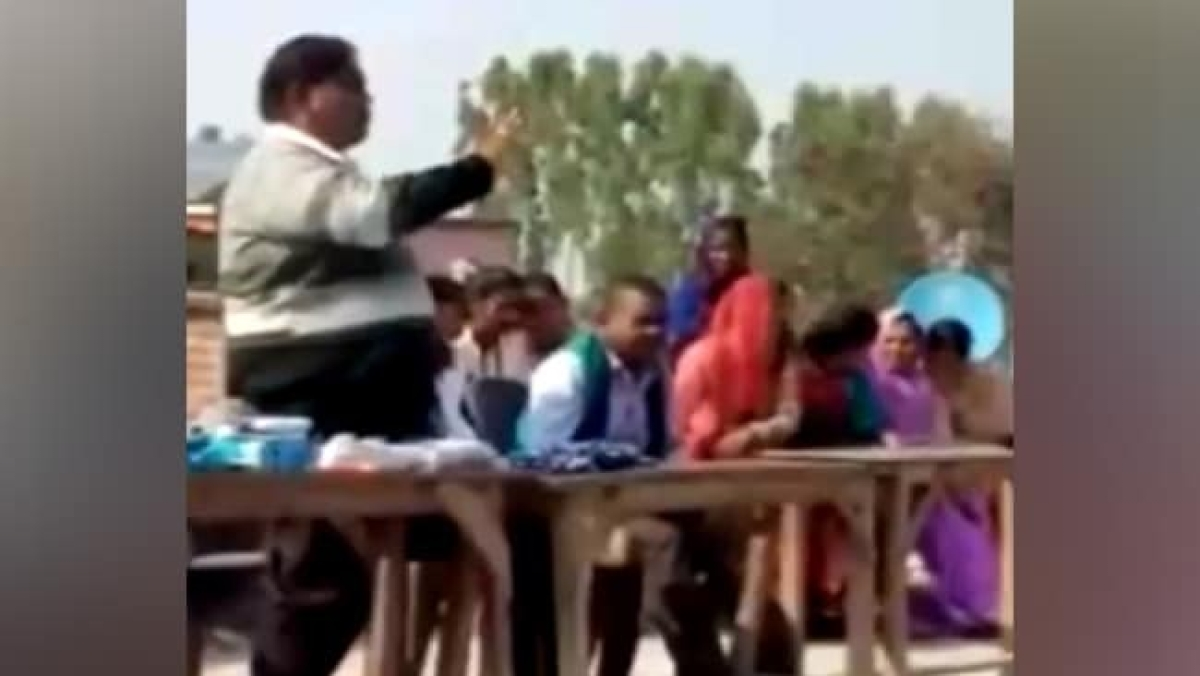Uttar Pradesh: Put ₹100 in answer sheets, says school principal to students; arrested