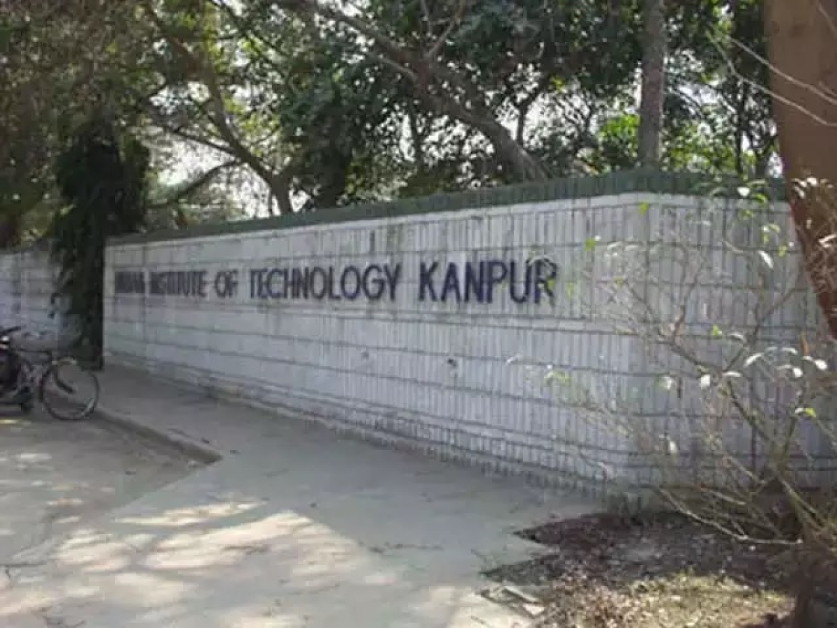 IIT-Kanpur asks students to vacate hostels