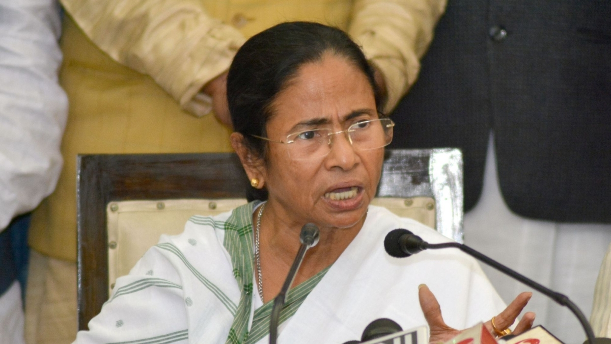 Mamata government asks teachers to come to school during janata curfew