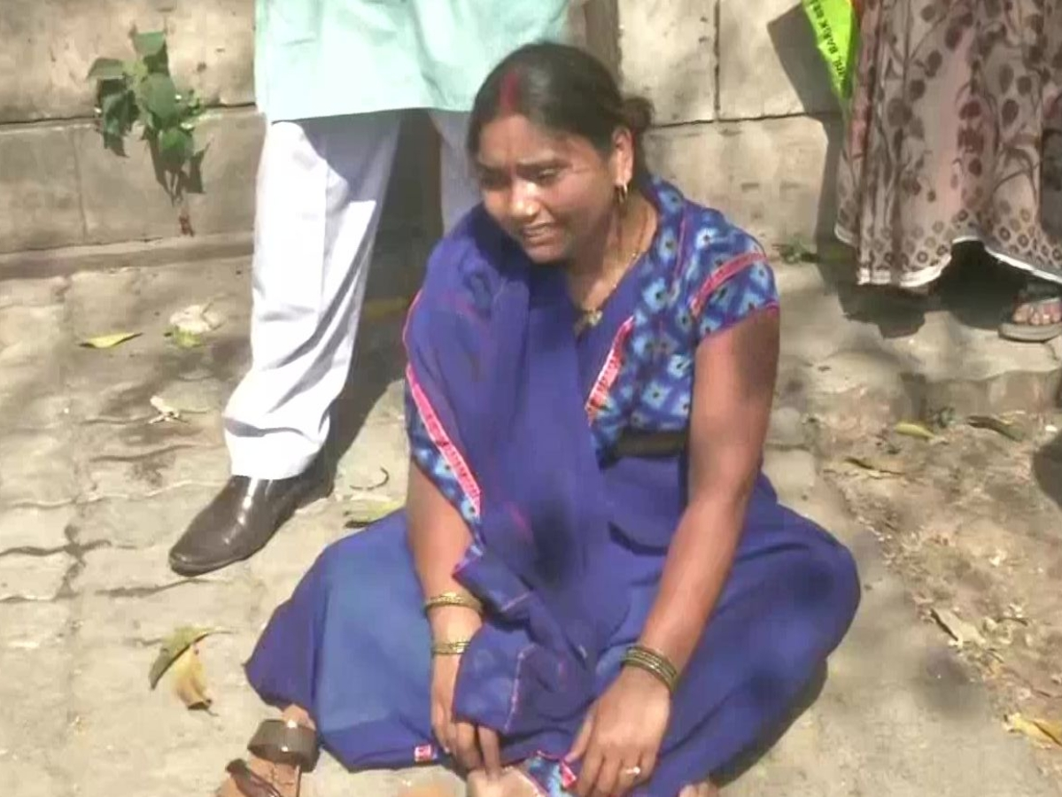 Nirbhaya convict's wife files for divorce, faints outside court, says she wants to kill self