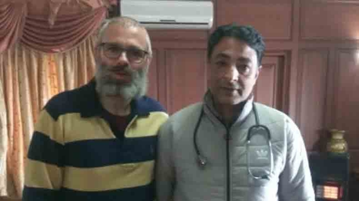 Another photo of Omar Abdullah surfaces