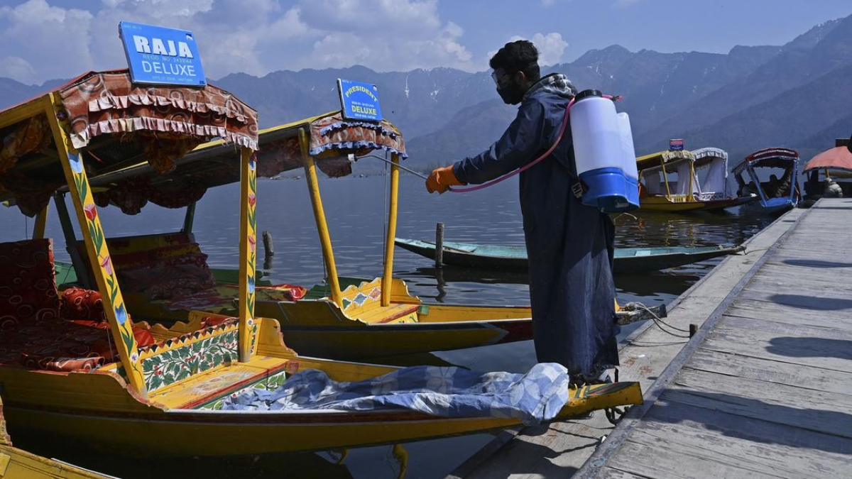 Kashmiris lend helping hand to fight Covid-19