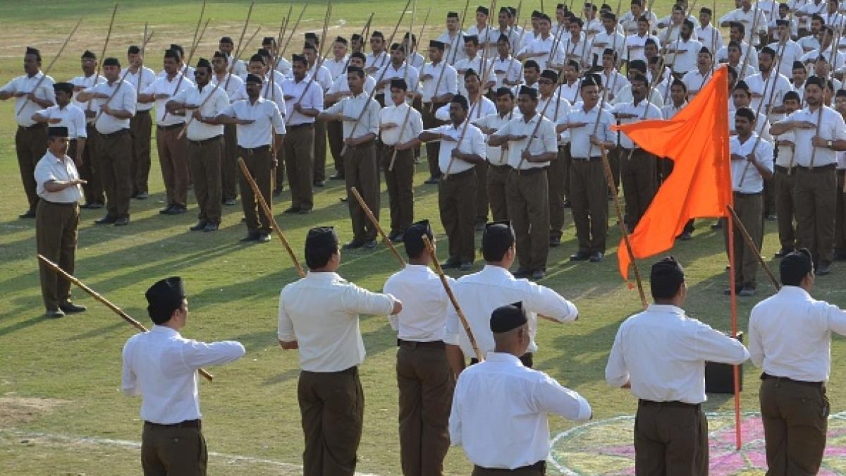 राष्ट्रीय स्वयंसेवक संघ की शाखा में भगवा झंडा / फोटो: Getty Images