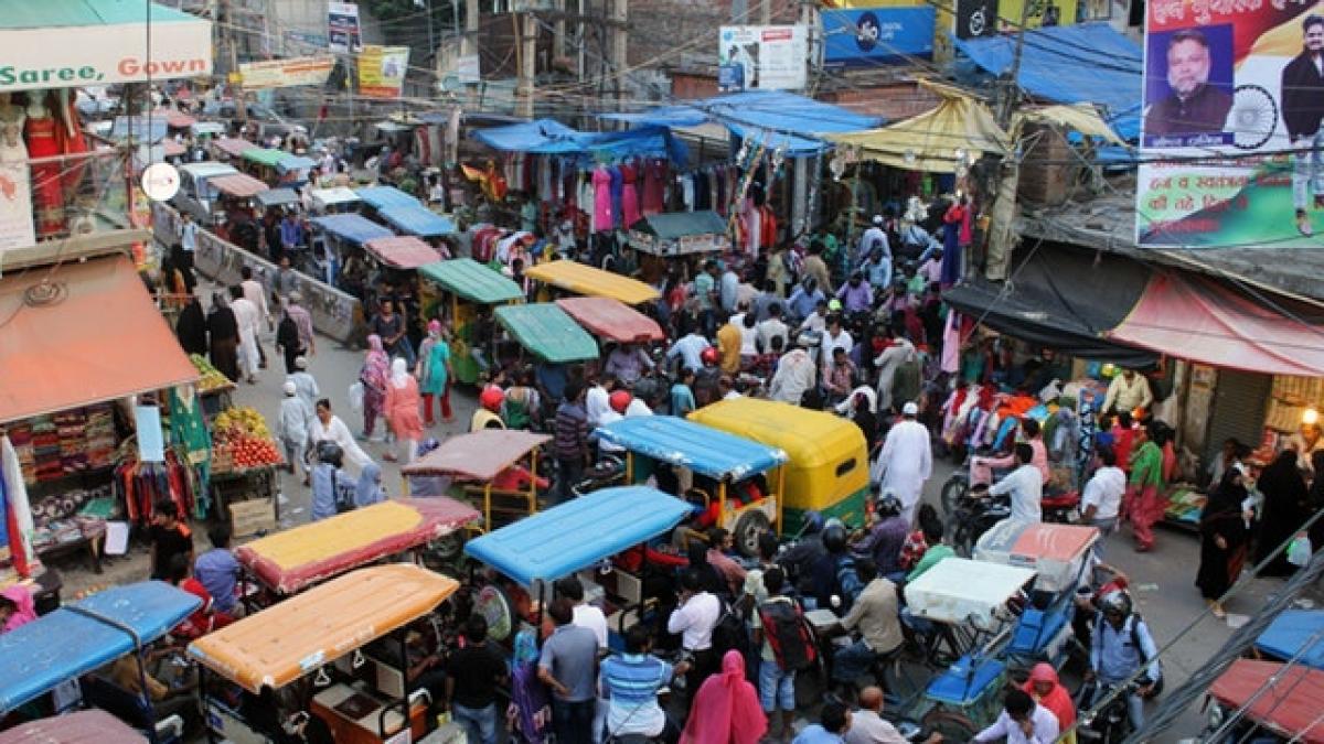 भीड़, जिससे पता चलता है कि किस तेजी से बढ़ी है ओखला की आबादी