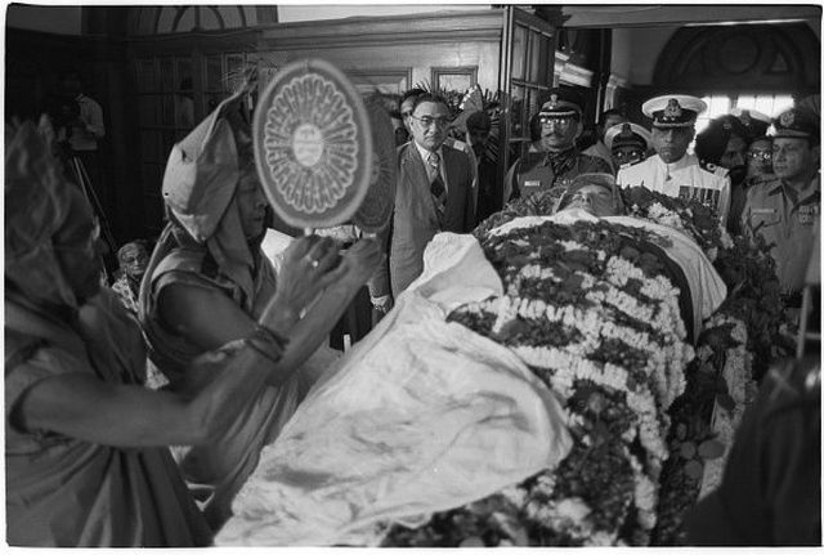 सिखों की तरफदारी में ही अपनी जान गंवा दी थी इंदिरा गांधी ने