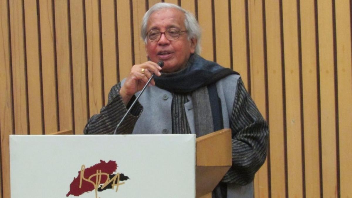 देश का निर्माण करने वालों की याद मिटाने की हो रही है कोशिश: अशोक वाजपेयी