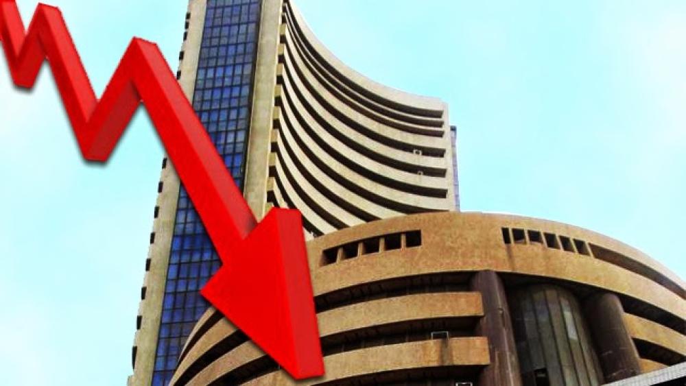 शेयर बाजारों में चौतरफा बिकवाली से गिरावट का दौर