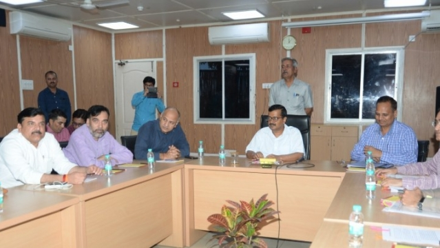 सीलिंग मुद्दे पर सीएम अरविंद केजरीवाल के आवास पर हुई बैठक