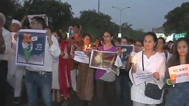 11 साल की बच्ची की हत्या के खिलाफ सूरत में सड़कों पर उतरे लोग