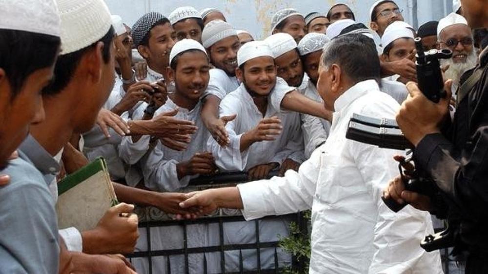 मुस्लिम समुदाय पर देश में चर्चा