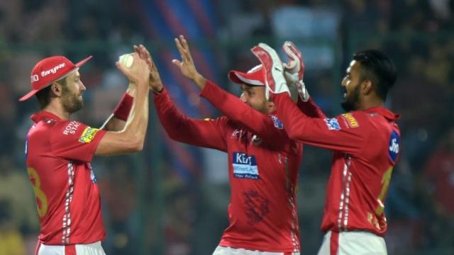 जीत का जश्न मनाते किंग्स इलेविन पंजाब के खिलाड़ी