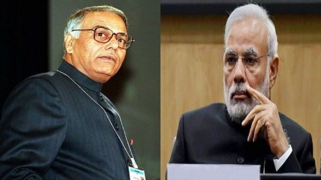 बीजेपी के वरिष्ठ नेता यशवंत सिन्हा ने पीएम मोदी के खिलाफ मोर्चा खोला