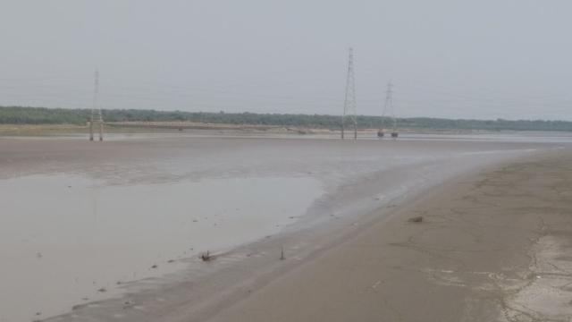 भरुच में तेजी से सूख रही नर्मदा नदी पर गुजरात सरकार बांध बनाएगी