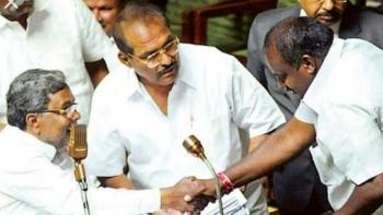 कर्नाटक में सरकार गठन से पहले बेंगलुरु में कांग्रेस-जेडीएस की बैठक