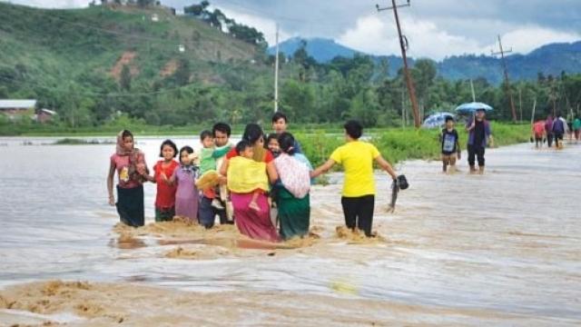 पूर्वोत्तर में भारी बारिश से कई इलाकों में बाढ़ जैसे हालात