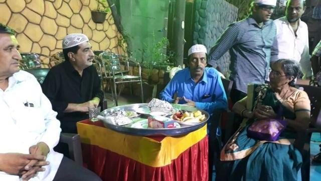 इफ्तार पार्टी में पहुंची प्रधानमंत्री नरेंद्र मोदी की पत्नी जशोदाबेन