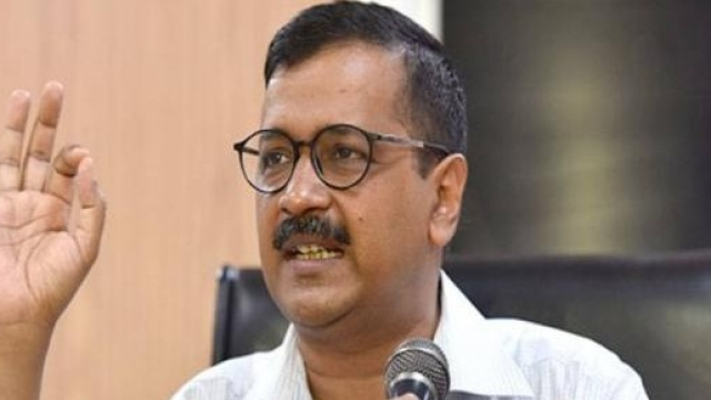 योगेंद्र यादव के समर्थन में आए दिल्ली के सीएम अरविंद केजरीवाल