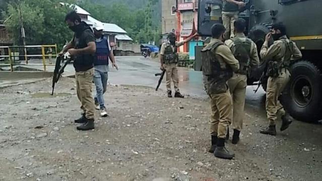 जम्मू-कश्मीर में हुए आतंकी हमले में सीआरपीएफ के दो जवान शहीद