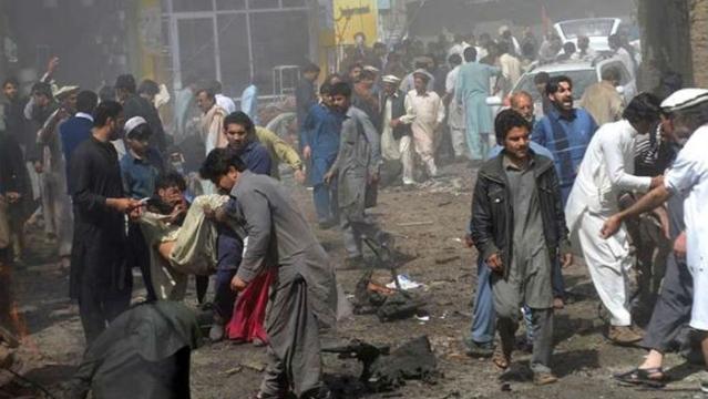 चुनावी रैलियों में बम धमाकों से दहला पाकिस्तान