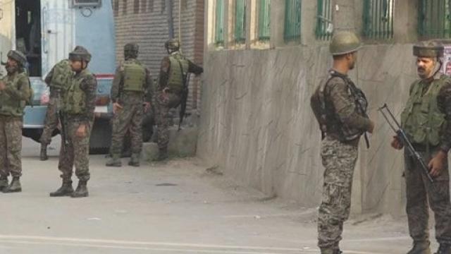 श्रीनगर में हुए आतंकियों से मुठभेड़ में एक जवान शहीद, 3 जवान घायल