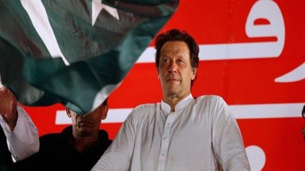 इमरान खान ने एक सादे समारोह में शपथ ग्रहण का फैसला किया है