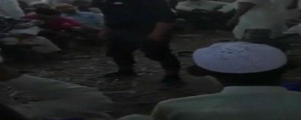 यूपी के मुरादाबाद में पंचायत का तुगलकी फरमान, युवकों को बेल्ट से पीटने की सजा सुनाई