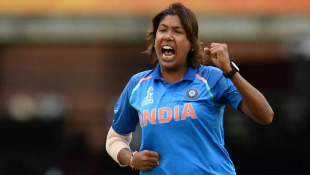 300 विकेट लेने वाली पहली महिला क्रिकेटर बनीं झूलन गोस्वामी
