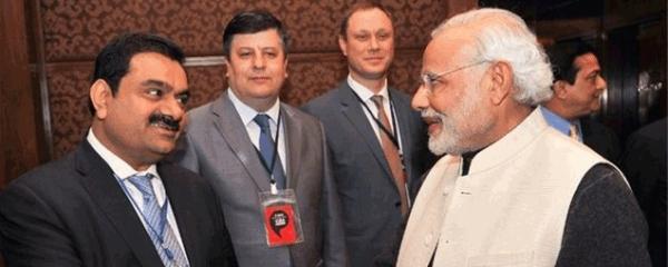 गौतम अडानी पीएम मोदी के साथ (फाइल फोटो)