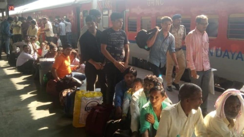 गुजरात के वडोदरा में बिहार के 7 लोगों पर हमला