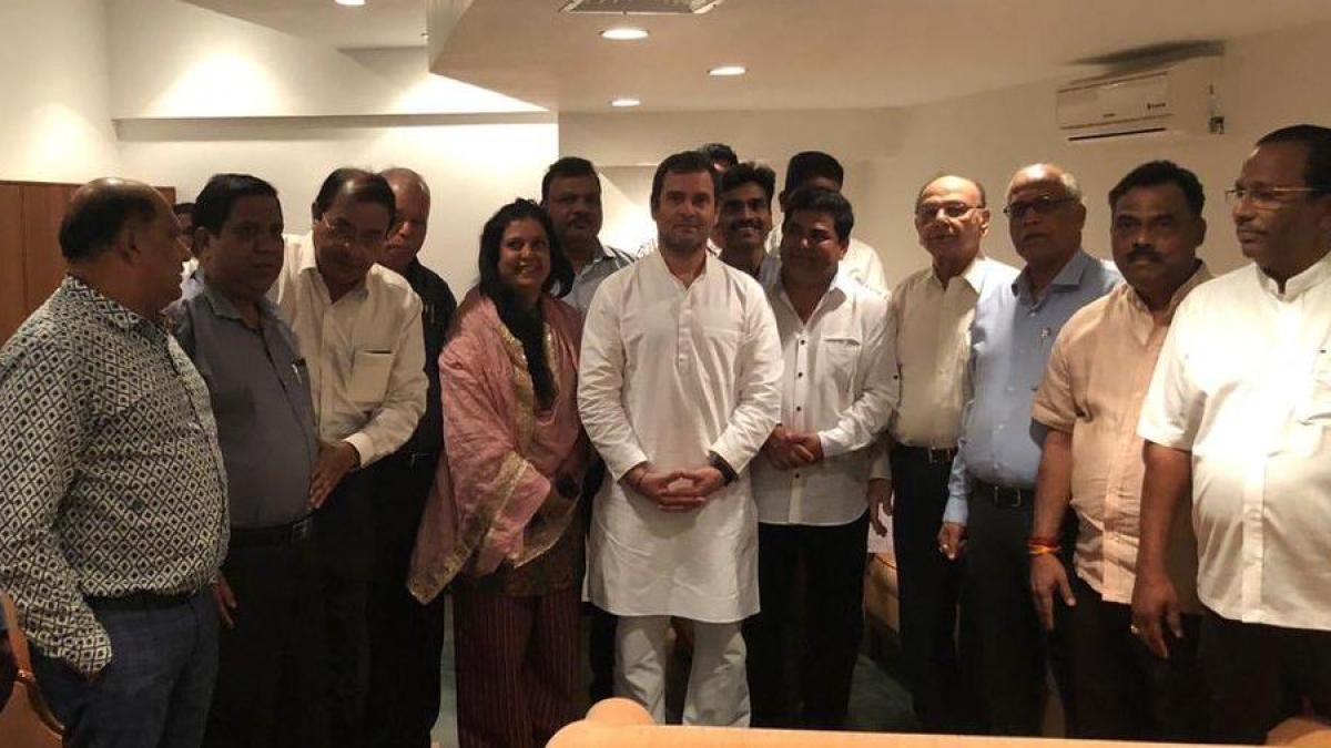 गोवा: सीएम मनोहर पर्रिकर से मिले राहुल गांधी, जल्द स्वस्थ होने की कामना की