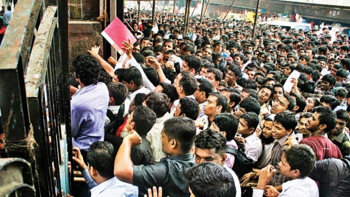 पीएम मोदी के गुजरात में बेरोजगारी दर की रफ्तार  सबसे तेज, बीजेपी शासित हरियाणा, झारखंड और बिहार भी फिसड्डी