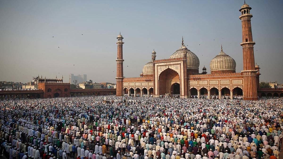खरी-खरी: मुस्लिम समाज को है सामाजिक क्रांति की जरूरत