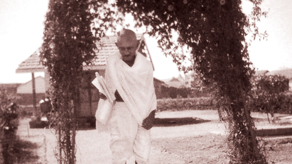 गंभीर समस्याओं से घिरी दुनिया को आज गांधी जी के विचारों की जरूरत