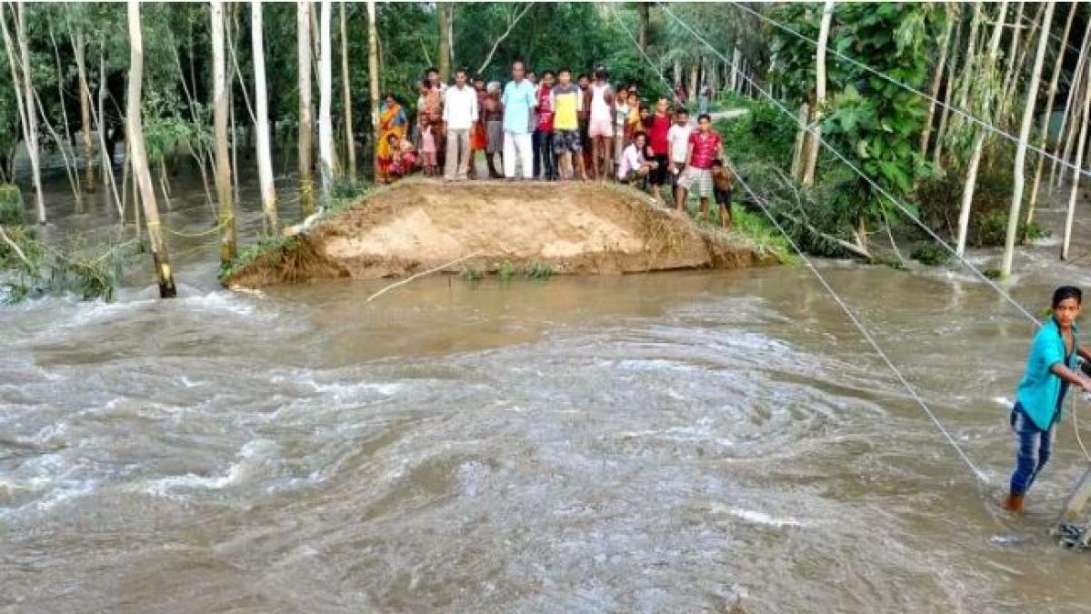 बिहार में बाढ़ से लोग बेहाल, अब तक 127 से ज्यादा की मौत, 85 लाख से ज्यादा प्रभावित, समस्तीपुर-दरभंगा रेलमार्ग ठप