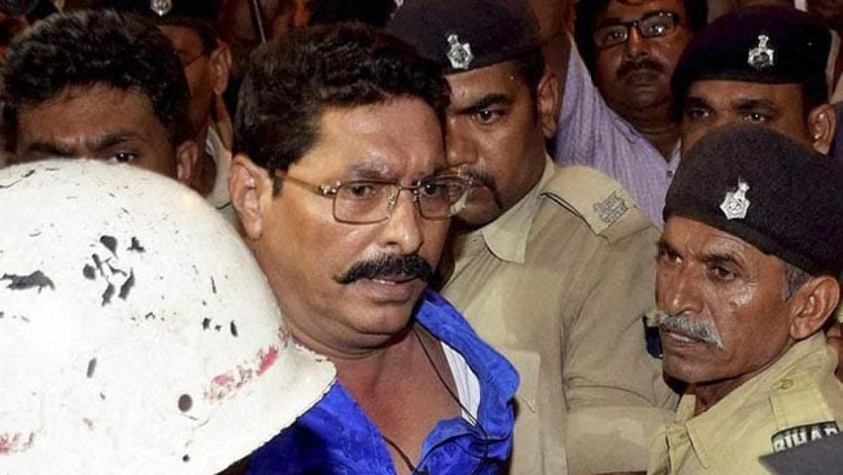 'सुशासन बाबू' की पुलिस को चकमा देकर फुर्र हुए बाहुबली विधायक अनंत, एके-47 मामले में गिरफ्तार करने पहुंची थी पुलिस