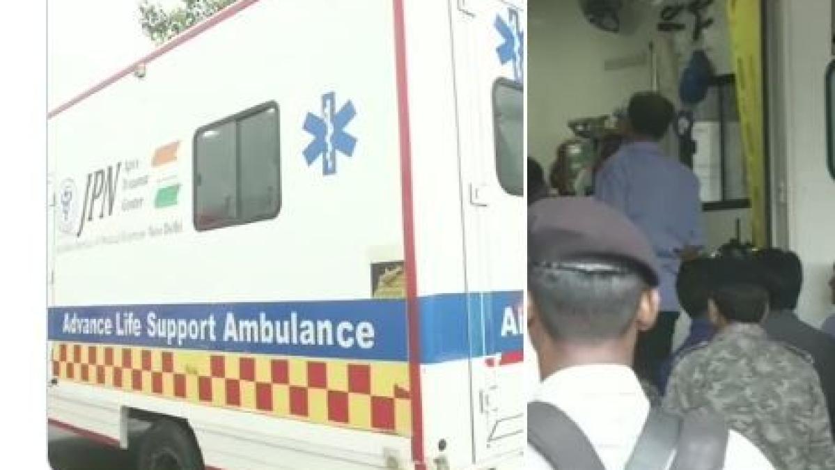 उन्नाव कांड: वकील को एयर एंबुलेस से किया गया दिल्ली एम्स में शिफ्ट, कोर्ट ने यूपी के डीजीपी से मांगी रिपोर्ट