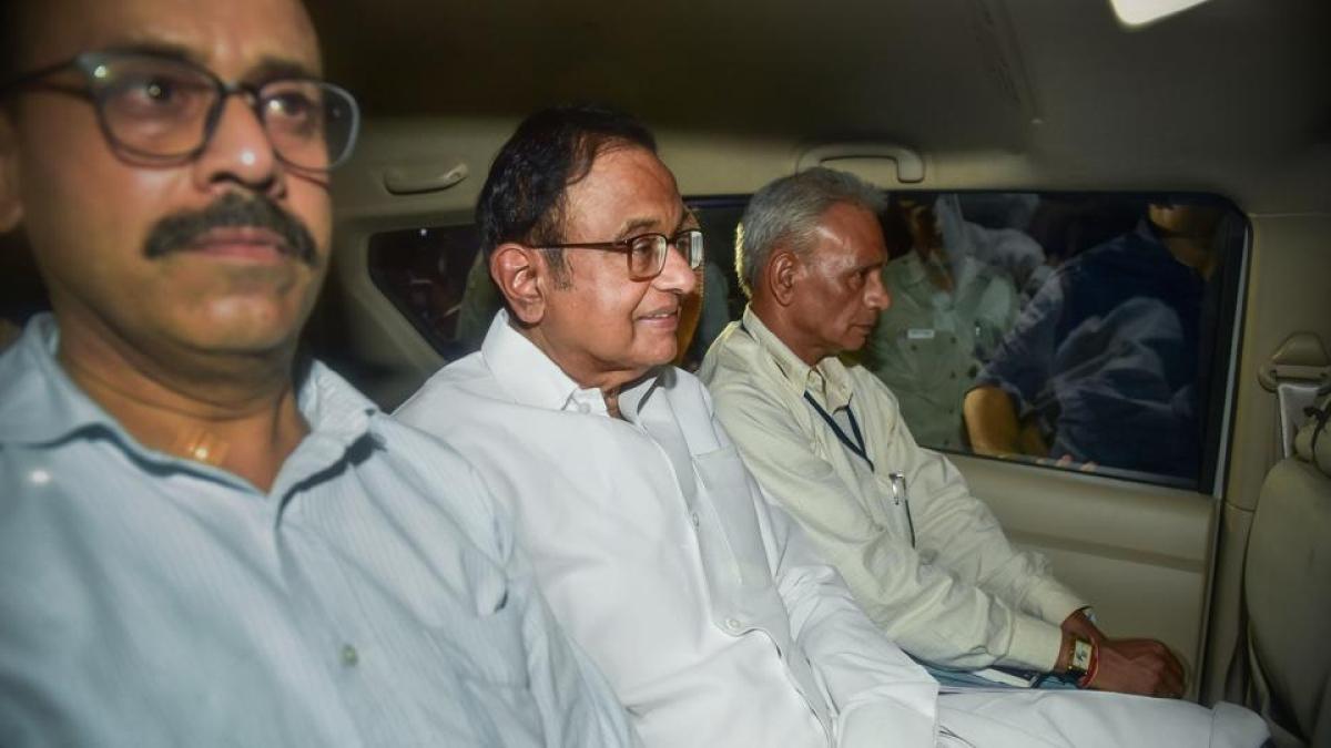 पूर्व वित्त मंत्री चिदंबरम गिरफ्तार, थोड़ी देर पहले कहा था- उम्मीद है एजेंसी कानून का पालन करेंगी