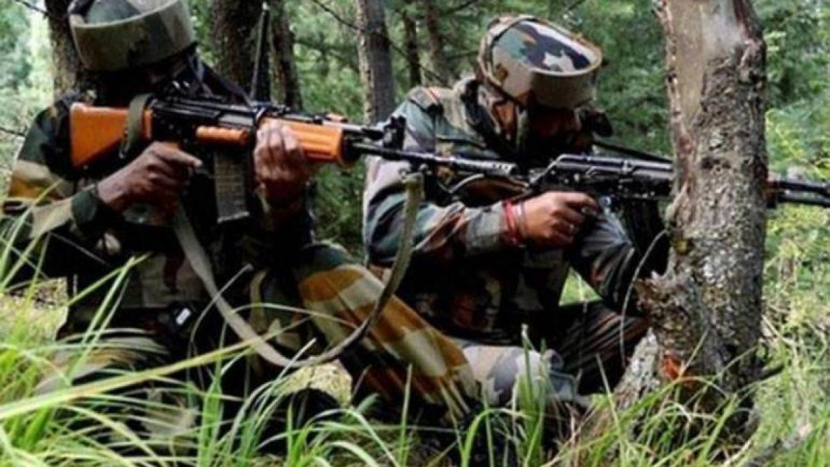 नवजीवन बुलेटिन: जम्मू-कश्मीर में सेना ने ढेर किया आतंकी और रायबरेली में मकान गिरा, 1 ही परिवार के 3 लोगों की मौत, 4 खबरें