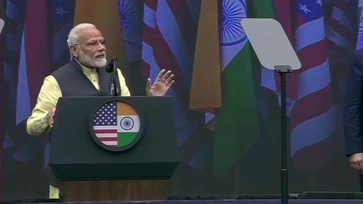 बड़ी खबर LIVE: PM Modi ने 'Howdy Modi' कार्यक्रम  को किया संबोधित, अमेरिका को बताया सच्चा दोस्त