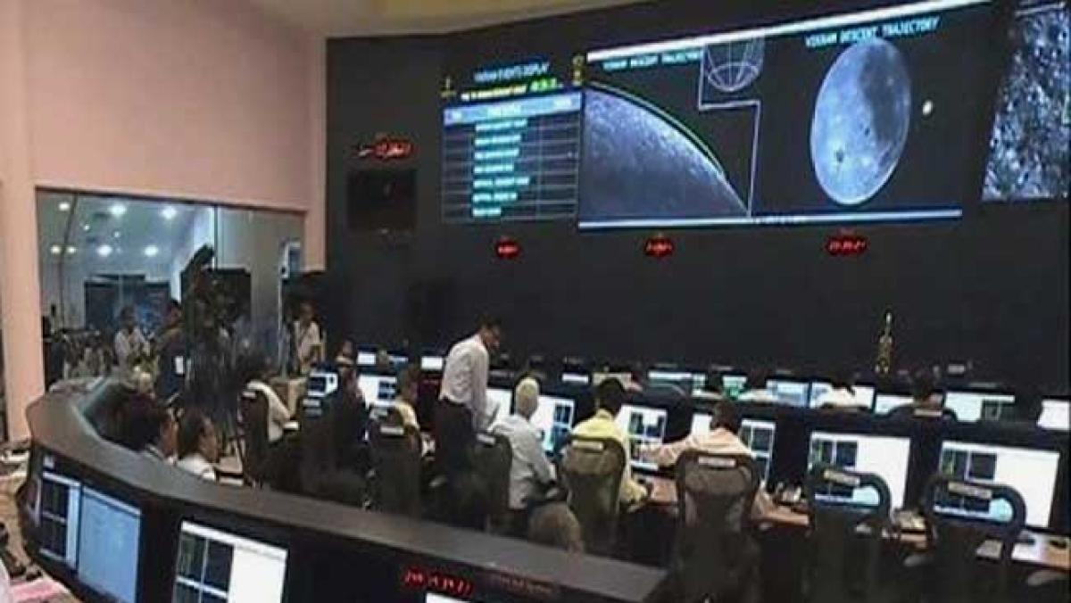 गायब हुआ 'लैंडर विक्रम' चांद पर है सुरक्षित, अंतरिक्ष से मिले तस्वीरों से हुआ खुलासा, जानिए अब आगे क्या होगा?